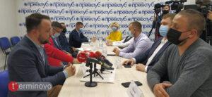 Низька явка і голосування поза кабінками у Тернополі на місцевих виборах